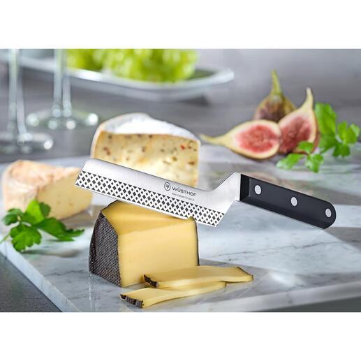 Couteau à fromage antiadhésif Wüsthof Le couteau à fromage amélioré : avec une structure antiadhésive et une forme coudée ergonomique. Par Wüsthof.