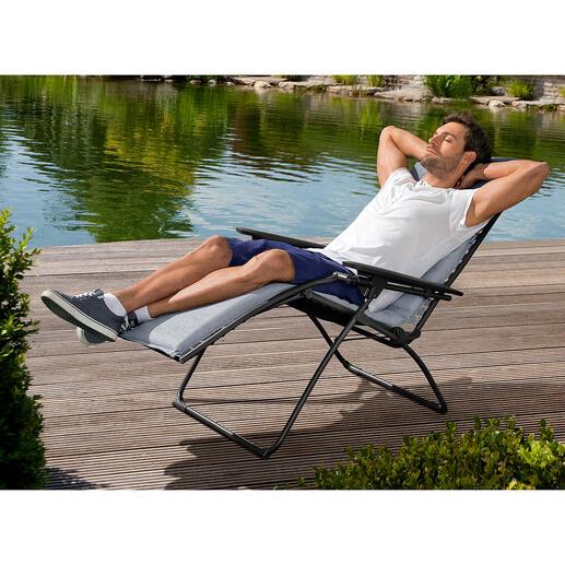 Fauteuil Relax Liege Lafuma Détente assurée : expérimentez la position de repos des astronautes dans l'espace. La Relax Chair made in France.