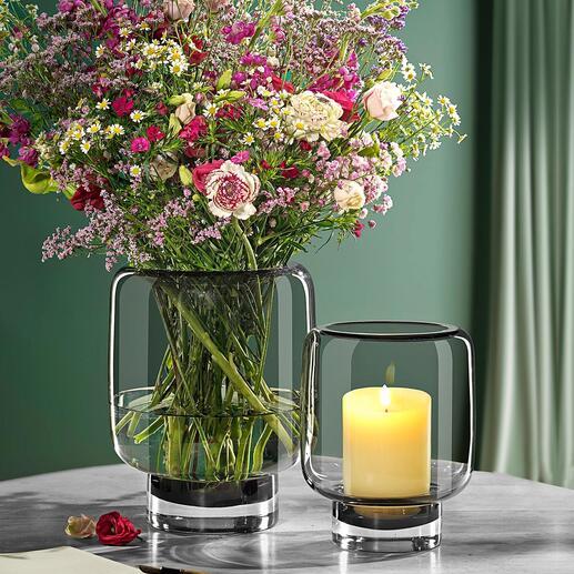 Photophore en verre 2-en-1 Aujourd'hui un photophore, demain un vase. En verre fumé soufflé à la bouche ultra moderne. Chaque verre est une pièce unique.