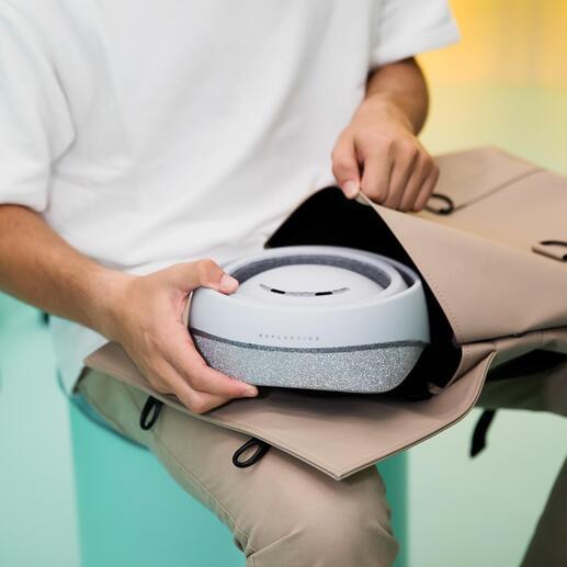 Une fois plié à plat, vous pouvez facilement ranger le casque dans n'importe quelle mallette ou sac à dos.