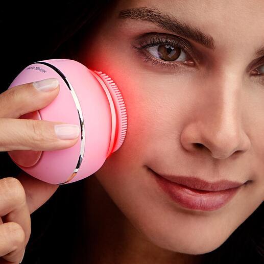 Brosse cosmétique pour le visage Higher Glow 3 soins de beauté efficaces réunis dans un seul accessoire ingénieux qui s'adapte à votre type de peau. Confortablement depuis chez vous.