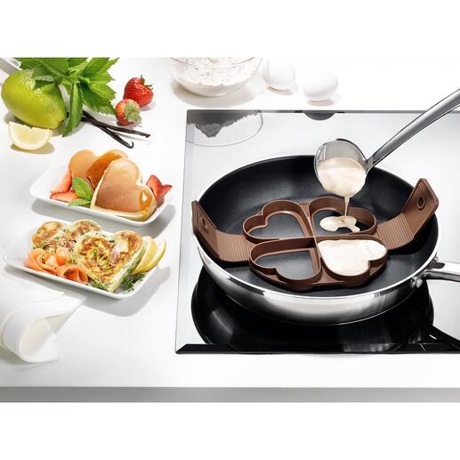 Moule à pancakes en forme de cœur Réalisez quatre pancakes en cœur parfaitement formés en même temps.