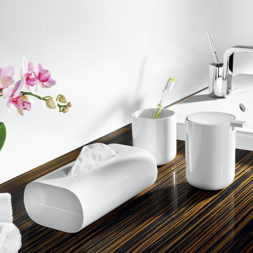 Résolument accrocheurs: les accessoires de salle de bain blancs Alessi. Rien ne perturbe leur design épuré.