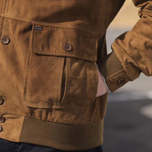 Veste bûcheron chèvre velours Arma L'original avec les détails authentiques. Assez légère pour l'été. Assez chaude pour l'automne.