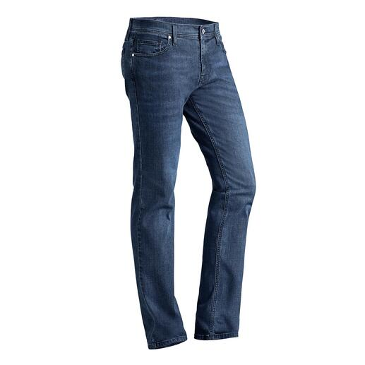 Jeans Karl Lagerfeld Thème tendance: le denim soigné, spécialité et marque de fabrique de Karl Lagerfeld.