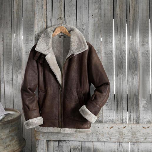 Blouson d'aviateur en fourrure d'agneau « B3 » Une légende : le célèbre B3, le blouson d'aviateur de l'armée américaine US Army Air Corps, depuis 1934.