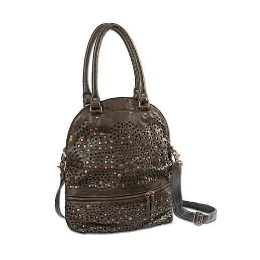 Sac shopping à rivets Desiderius Des rivets, du cuir perforé, un vert très militaire : voici le sac le plus en vogue de la saison.