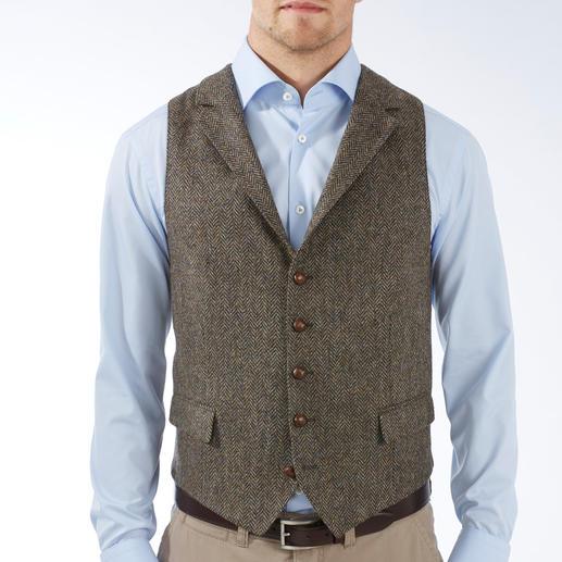 Gilet en tweed DAKS La pièce parfaite : le gilet en tweed, fait entièrement de pure laine vierge. Par DAKS London.
