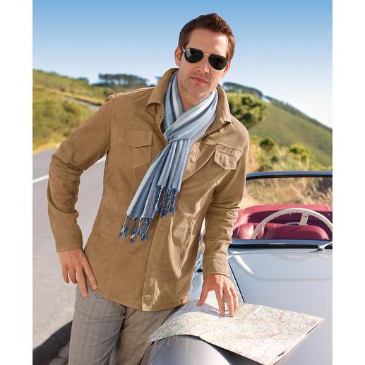 Veste en cuir climatisée La veste en cuir pour l'été – légère et aérée comme une chemise. Ne pèse que 660 grammes.