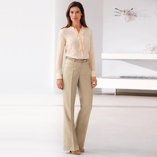 Pantalon Marlène en lin Le pantalon en lin pour le travail : décontracté, aérien, il met la silhouette en valeur.