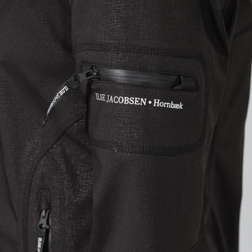 Imperméable Ilse Jacobsen du softshell Rares sont les vêtements pratiques qui paraissent aussi chics. Du softshell imperméable et coupe-vent.