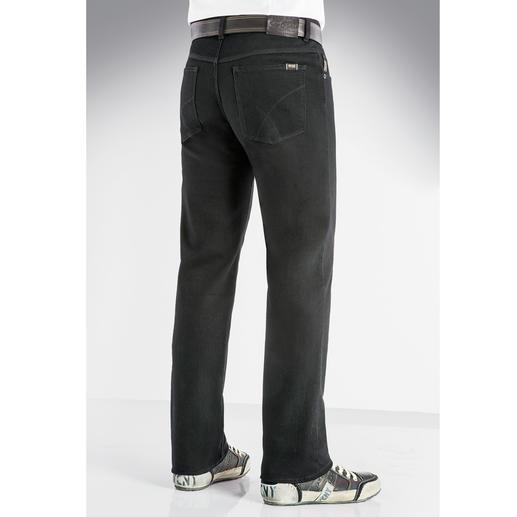 Jean Perma Black de Brax Enfin, un jean conservant réellement sa couleur. Le noir reste noir. Lavage après lavage.