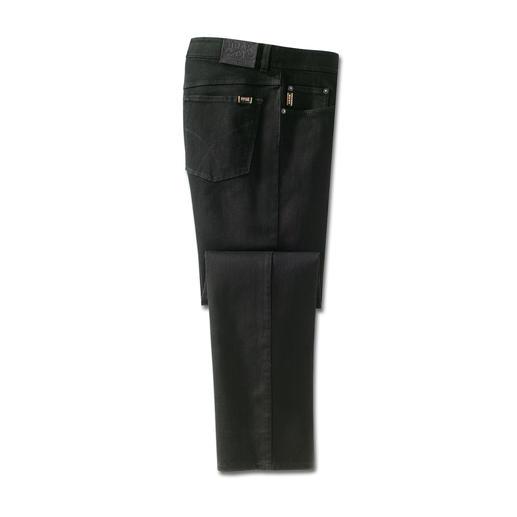 Jean Perma Black de Brax Enfin un jean qui conserve réellement sa couleur. Le noir reste noir. Lavage après lavage.