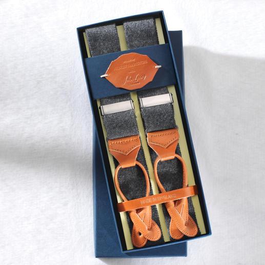 Bretelles en cachemire et clips-bouton (set) d'Albert Thurston Une nouveauté mondiale venue d'Angleterre : les premières bretelles en cachemire. Avec clips-bouton assortis.