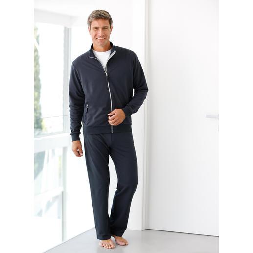 Survêtement Coolmax® La sensation du pur coton et le confort thermique du Coolmax®. Une agréable sensation de fraîcheur.