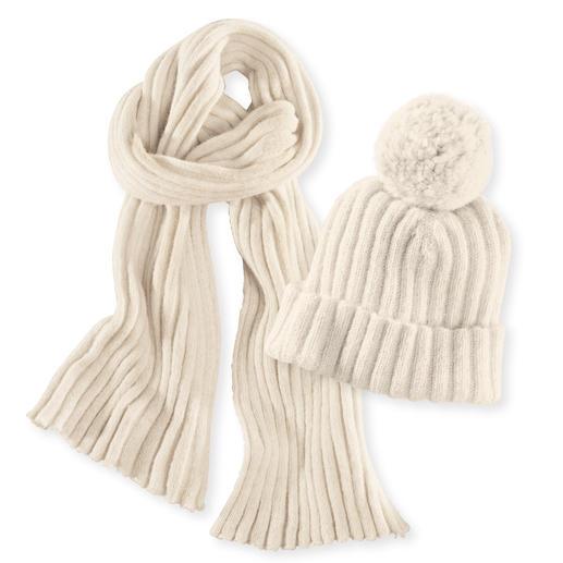 Bonnet côtelé ou Écharpe côtelée en alpaga Ni blanchie, ni colorée, et particulièrement douce sur la peau.