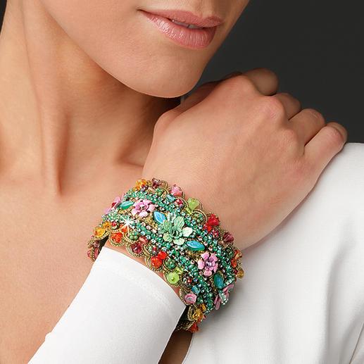 Bracelet floral Yaron Morhaim Les luxueux bijoux floraux au style victorien sont au cœur de la tendance.