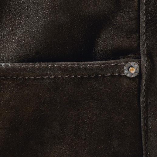 Le pantalon en cuir de buffle Robuste, inusable et pourtant si souple.