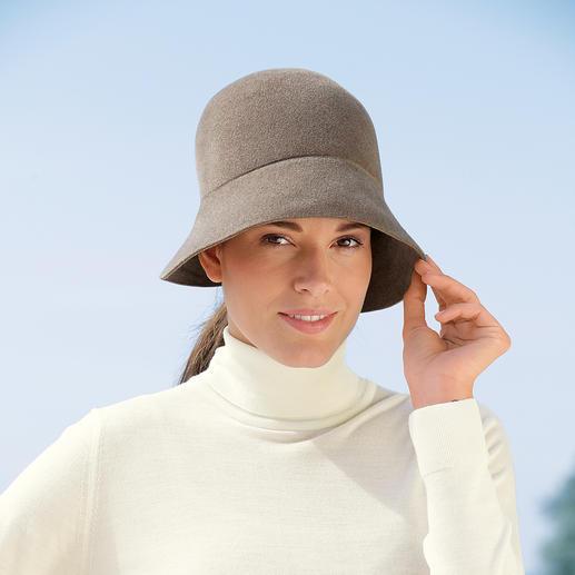 Chapeau cloche d'Ellen Paulssen Original et ménage la coiffure : le chapeau cloche des années 1920 – en feutre de poils doux comme du velours.