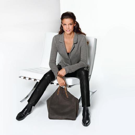 Blazer en cachemire ANNECLAIRE Plus élégant qu'un gilet et plus confortable qu'un blazer.
