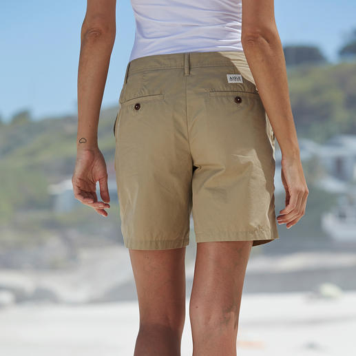 Short Aigle « Clean Chic » Un tissu doté de nombreuses propriétés. Une longueur parfaite et une coupe qui vous met en valeur.