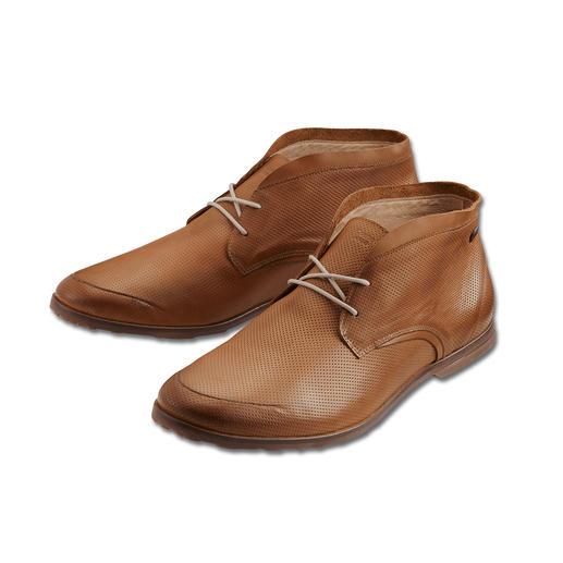 Chaussure tout terrain 300 grammes Un poids plume de 300 grammes. Cuir veau aérien perforé, au style contemporain. La chaussure d'été.