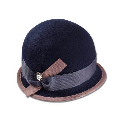 Chapeau en laine foulée Ellen Paulssen Avec la douceur d'un foulage en laine : froissable sans se déformer, coupe-vent et hydrofuge.