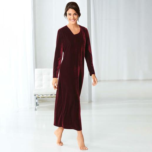 Robe 24 heures en velours ras - Ultra confortable, follement polyvalente et tout à fait abordable.