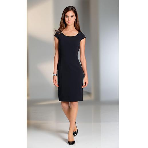 Petite robe noire Barbara Schwarzer Petite robe pour le quotidien : peu froissable, idéale à emporter dans sa valise, lavable en machine.