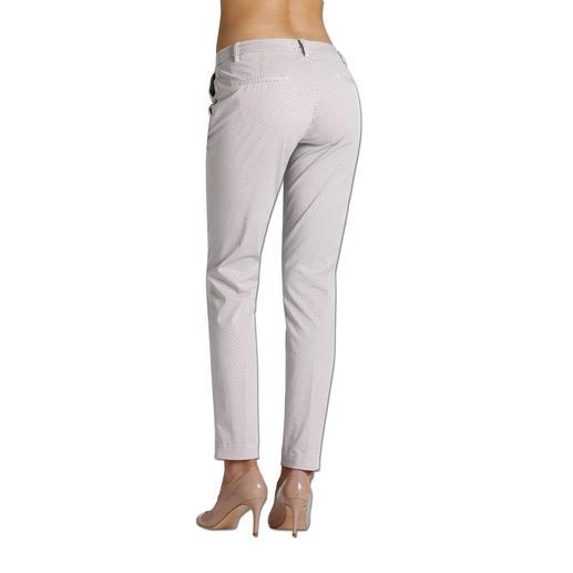 Pantalon chino Mason's « motif minimaliste » Coupé pour sublimer la silhouette féminine : le pantalon chino au motif minimaliste. Par Mason's.