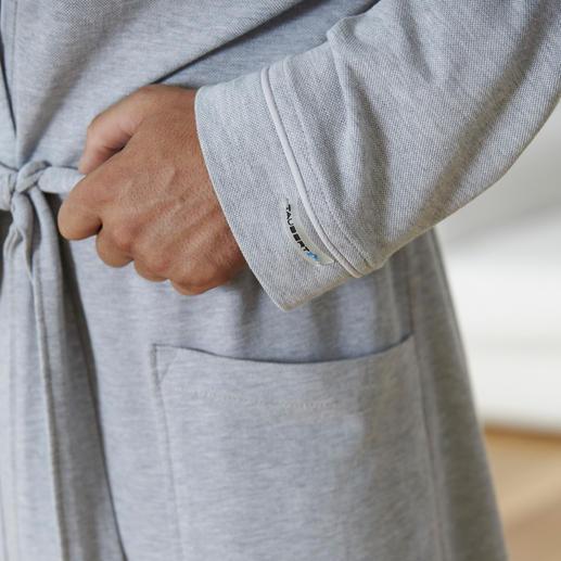 Robe de chambre en piqué de coton Taubert La robe de chambre idéale pour l'été. Et à emporter dans sa valise. Fine, légère, peu froissable.