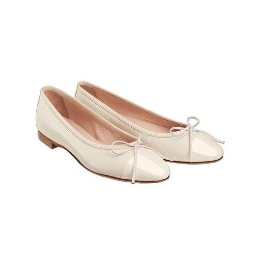 Les ballerines Casanova La manière particulièrement élégante de porter des chaussures plates. D'un confort & d'une classe sensationnels.