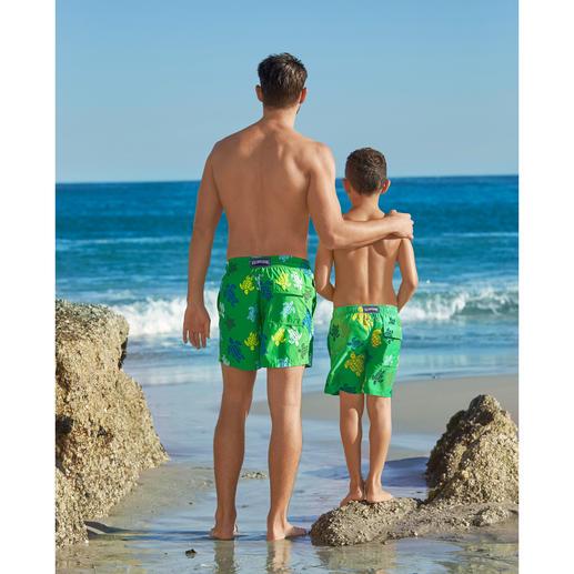 Short de bain Père et Fils Vilebrequin Il y a les shorts de bain. Et il y a les classiques cultes signés Vilebrequin, St. Tropez.