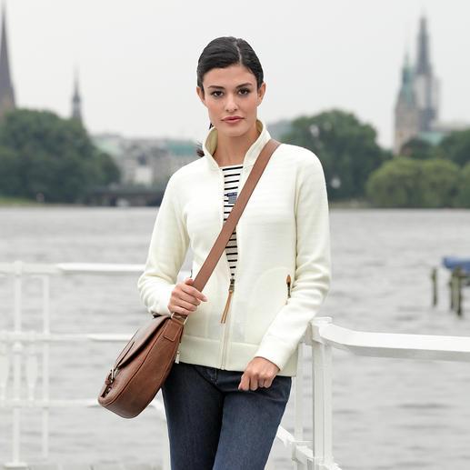 Veste en tricot Thermotech® Aigle Face extérieure aspect maille classique et élégante, face intérieure légère en polaire Thermotech bien chaude.