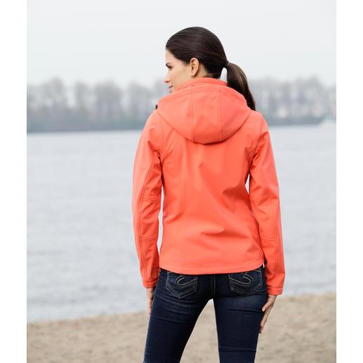 Veste en softshell femme Élancée, légère et pourtant bien chaude. Veste en softshell, avec WindProtect® de CMP.