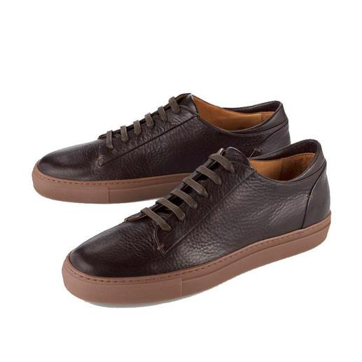 Sneakers en cuir de veau Bernacchini 1905 Forme rétro tendance. Cuir de veau souple. Made in Italy. Un luxe abordable par Bernacchini 1905.