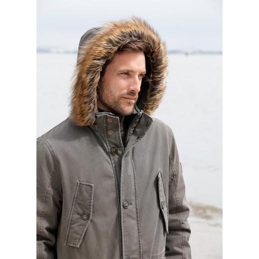 Parka homme tous temps Sailors & Brides Enfin une parka en coton aussi coupe-vent et imperméable qu'une veste technique.