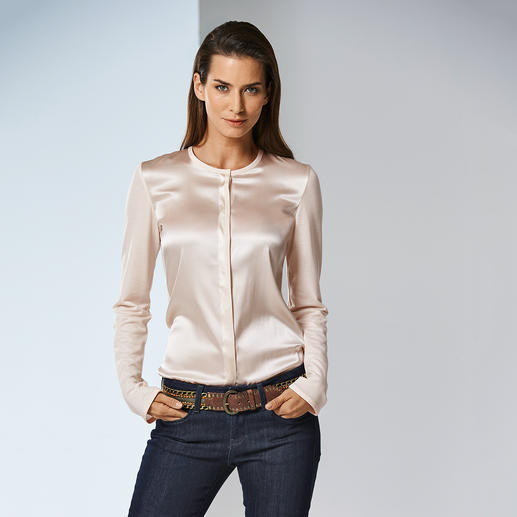 Chemisier Strenesse Aussi élégant qu'un chemisier, aussi confortable qu'un T-shirt. Association raffinée de jersey et de satin.