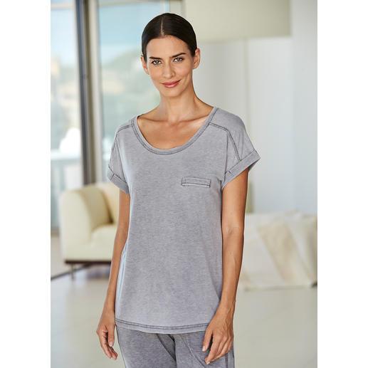 Hoodie, T-shirt ou Pantalon en jersey stonewash Teint en une seule pièce, finition stonewashed : chaque modèle est unique.