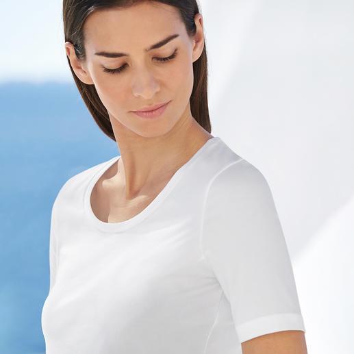 Shirt basique à manches courtes ou longues swiss+cotton Caractérisé par la bonne tenue de ses coupes et de ses couleurs, sa douceur satinée et son confort extensible.