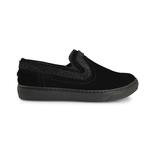Chaussures basiques ou habillage de tige BONDS D'AZUR Aujourd'hui, simple chaussure à enfiler ; demain, bottine à franges ; après-demain, star ethnique.