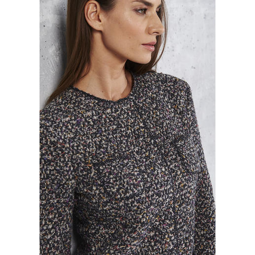 ANNECLAIRE Bouclé-Cardigan « Multicolore » Tricotée et non pas tissée. La preuve qu'une veste en bouclette peut être confortable et aérienne.