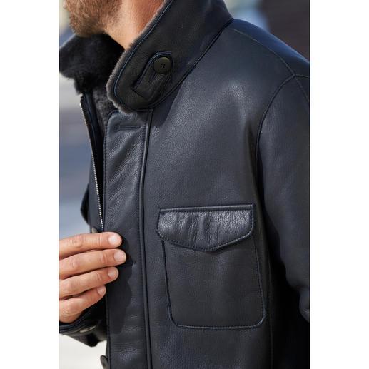 Veste militaire en fourrure d'agneau Agréablement légère et bien chaude : la veste style treillis par le spécialiste du cuir HiSo, made in Canada.