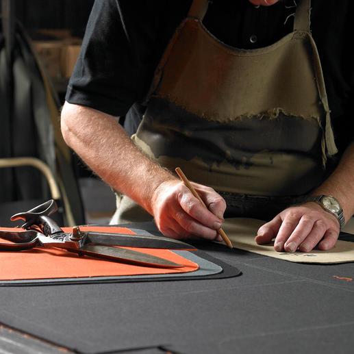Sacoche pour ordinateur portable John Chapman Durable, imperméable, agréable à porter : expérimentez la différence à la production de masse éphémère.