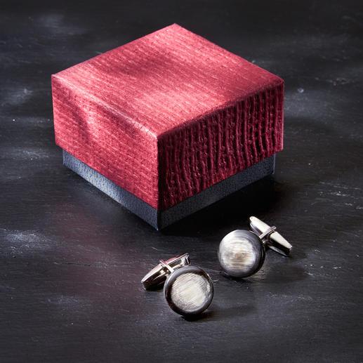 Boutons de manchette en corne Zanchi D'une élégance rare : les boutons de manchette en corne véritable. Couleur et grain naturels.
