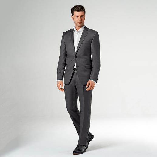Costume Lagerfeld en laine et soie Un drap de laine luxueux, à base de soie. Motif tendance, signé Lagerfeld.
