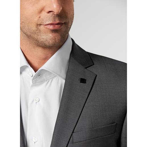 Costume Lagerfeld en laine et soie Un drap de laine luxueux, à base de soie. Motif tendance, griffé Lagerfeld.