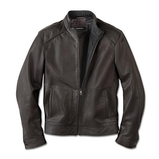 Veste en cuir Lagerfeld Une veste en cuir agneau nappa signée Lagerfeld. Stylée et incontournable. Douce et légère.