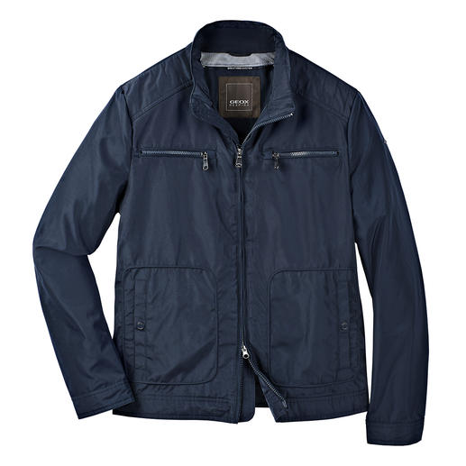 Veste technique Field Jacket homme Geox « Breathing System » La veste technique « respirante » au système d'aération breveté par Geox. Style tendance, design italien.