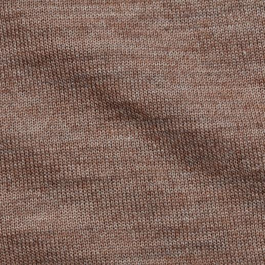 Pull-over en soie et baby alpaga Un poids plume étonnamment résistant, le pull-over basique pour toute l'année, en baby alpaga et soie.